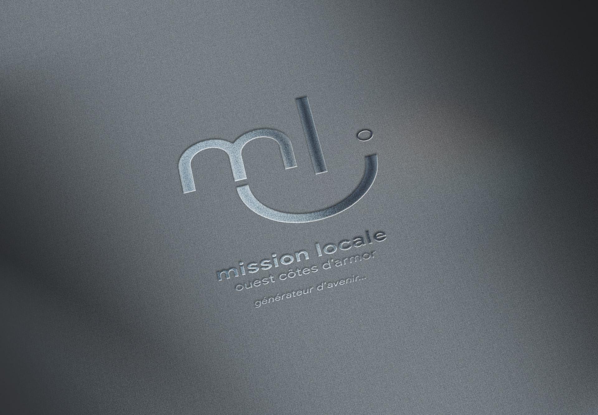 finition-vernis-selectif-brillant_mission-locale-agence-coquliko