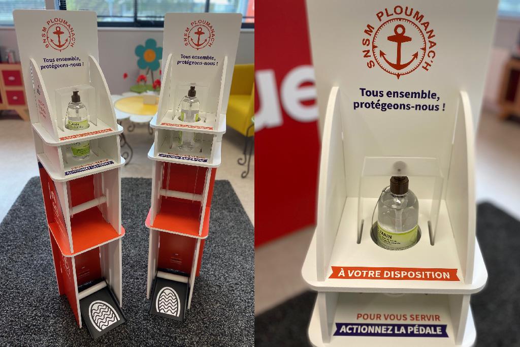 Borne-gel-hydroalcoolique-personnalisee-coqueliko-Roudenn-Lannion